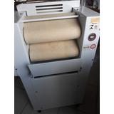 Masseira E Maquina Modeladora De Pão