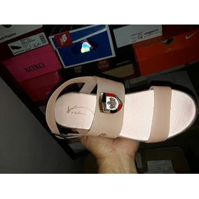 Sandalias De Color Rosa Y Negro