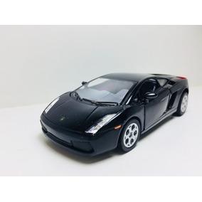 Miniatura Lamborghini Gallardo Preta Kinsmart 1/32