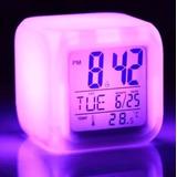 37ac71b08a1 Relógio Despertador Digital Cubo Led 7 Cores Variando Autom.