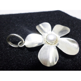 Dije Flor Con Una Perla Cultivada Plata 925