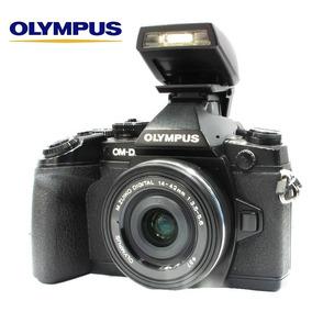 Olympus Omd Em1 - 16mp + Lente Zuiko 14-42mm Só 17k Clicks
