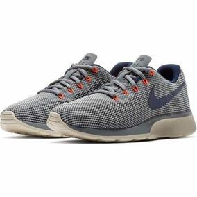Tenis Feminino Nike Tanjun Racer 921668-004