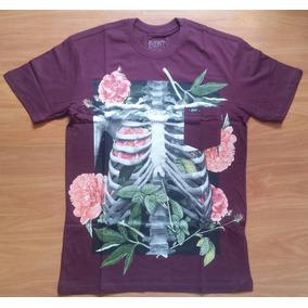 Camiseta Blunt Romantic Skeleton Com Bolso Manga Curta Skate 4ef35894fee