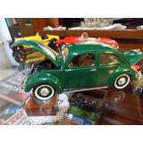 Volkswagen Escarabajo (1951) 1/18 Maisto. Impecable!