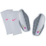 Caneleira Nike Profissional - Esportes e Fitness no Mercado Livre Brasil 996ae9d36fb32