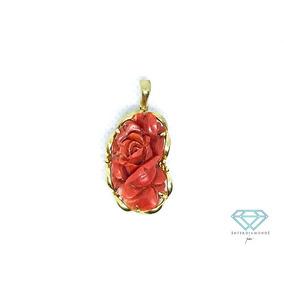 Dije En Oro Amarillo De 14 Kt. Con Coral Rojo Forma De Rosa