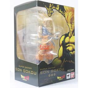 Boneco Miniatura Dragon Ball Z Goku Super Sayajin Bandai