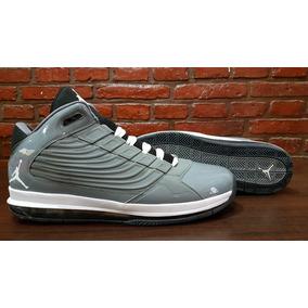 Zapatillas De Básquet Jordan . Talle 17 (51.5)