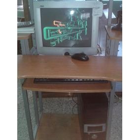 Computadora De Mesa Mas La Mesa En Buen Estado