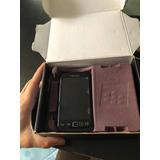 Blackberry 9860 Con Detalle En Centro De Carga