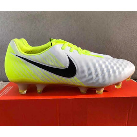 Chuteira Nike Campo Margista Opus - Chuteiras no Mercado Livre Brasil 06a8aef5d05d4