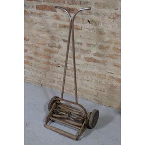 Maquina De Cortar Pasto Antigua