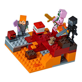 Lego Minecraft A Ferrovia De Nether 21130 - Brinquedos e Hobbies no ... a54109a737