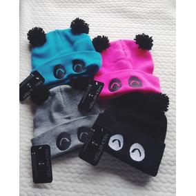 15b76ef7a789a Gorro Bordado Beanie Panda Con Pompones Kawaii Bear Oso