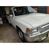 Pick Up - 4x2 Toyota Hilux