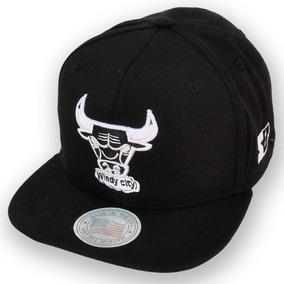 Bones Aba Reta Chicago Bulls - Bonés no Mercado Livre Brasil 571335d001d