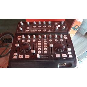 Mesa Controladora Dj Behringer Bcd3000