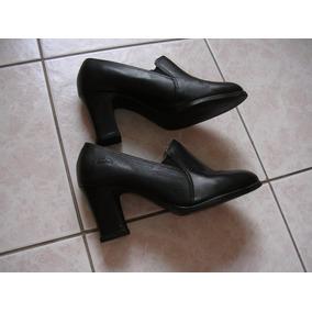 605704d24a Salto Alto Preto Fechado Feminino Dakota - Sapatos no Mercado Livre ...