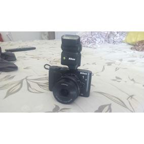 Nikon 1 V3 + Flash