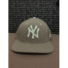 Gorra New Era De Los Yankees Color Cafe Original en Mercado Libre México 181b6af827d