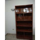 Librero De Cedro. 92cm De Frente, 2m De Altura Y 40cm Fondo