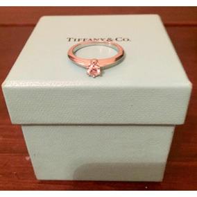 Anillo De Compromiso Tiffany 5.5 Con Caja Y Certificados