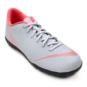 Chuteira Society - Chuteiras Nike de Society Prateado no Mercado ... 1d2c332c206cf