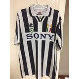 Camisa Da Juventus Kappa Centenario - Esportes e Fitness no Mercado ... e820366e01c8d