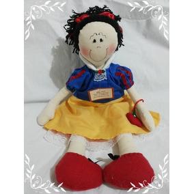 Boneca Artesanal De Pano Branca De Neve 50 Cm