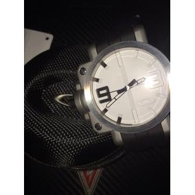a51d4229f56 Bff Case - Relógio Oakley no Mercado Livre Brasil