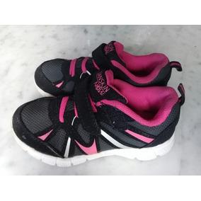 bb3ceeb5 Botas Deportivas Negras Para Niños - Zapatos en Mercado Libre Venezuela