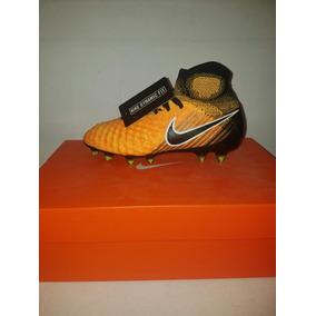 Tachones Nike Magista - Tacos y Tenis Césped natural Nike de Fútbol ... 1e4903d8bbb52