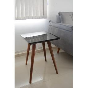 Mesa Mesinha De Canto Ou Lateral Quadrada Laqueada Com Vidro