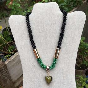 Collar Artesanal Tejido Chaquiron Negro Y Verde Dije Corazón