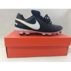 c7b5514de7 Chuteira Nike Tiempo Ronaldinho Couro - Chuteiras Nike de Campo para ...