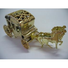 50 Carruagem Cavalinho Douradas Lembrancinhas Realeza
