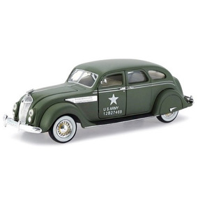 Miniatura Chrysler Airflow 1936 Army Verde S Models 1/32