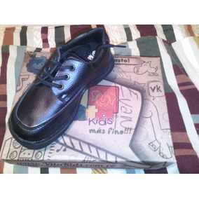 Zapatos Colegiales Marca Vita Kids Talla 31.