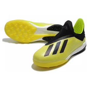 Chuteira Adidas Campo - Chuteiras Adidas de Campo para Adultos no ... 7b77ef9246232