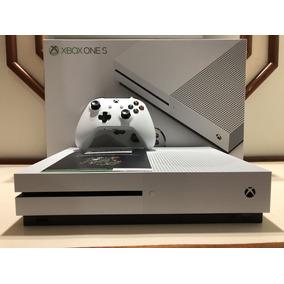 Xbox One S 1tb Com 2 Controles Sem Fio + 1 Brinde !