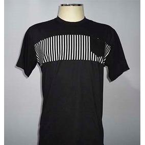 Camiseta Blusa Preto Com Listra No Meio E Com Bolso c8874244d121b