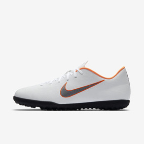 Chuteira Society Nike Mercurial Branca - Chuteiras Nike de Society ... f59836c15d7bc
