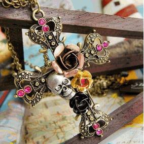 Colar Com Pingente Cruz Crucifixo Vintage Gótico