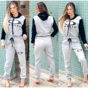 Kit Oakley Feminino Tamanho M - Blusas para Feminino no Mercado ... 2355a833d03