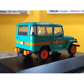Toyota Bandeirantes Light1:43 Ixo Nova Com Caixa E Base