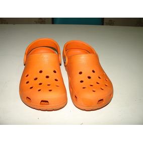 2ed0e00c553 Sapato Crocs Laranja Tamanho 10 11 Emborrachado Tamanho 26