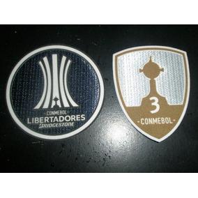 Dos Parches De Copa Libertadores 2018 Estampado En El Acto