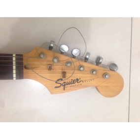 Guitarra Squier Con Planta Peavey Y Pedal Marca Zoom