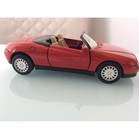 Carro De Colecionador - Alfa Romeo Spider (1997) 1:32